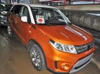 Suzuki Vitara. HORISON ORANGE METALLIC / БЕЛАЯ КРЫША (A6J)